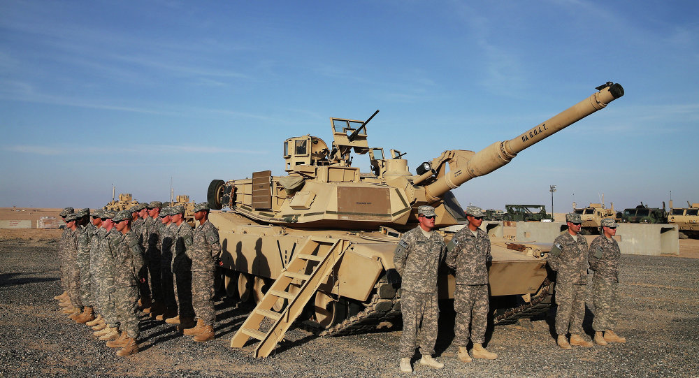 U.S. troops pour into Kuwait